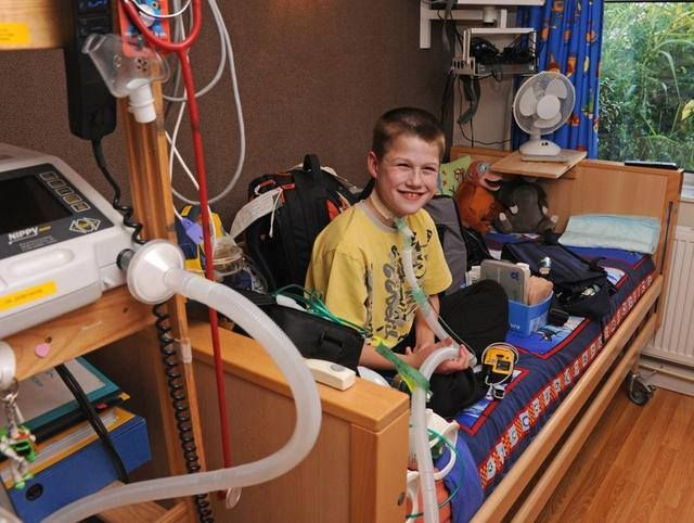 Liam Derbyshire without the help of a life-support machine to sustain his breathing, the 14-year-old boy might really die before he wakes.  During the day, the 14-year-old can consciously inhale and exhale, but at night, when consciousness fades away, his breathing stops. Liam, who lives in Britain, has Central Hypoventilation Syndrome (CCHS) or Ondine's Curse -- a potentially fatal and incurable disorder. When Liam goes to sleep, his brain forgets to tell his lungs to breathe.