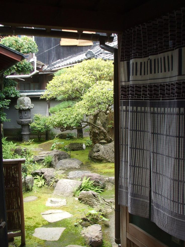 Japanese Courtyard Garden, Naoshima. Photo From  Creatingjapanesegardens.com, By Wendy Tanner, Part 95