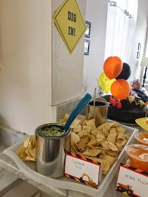 Guacamole served in mini paint cans from Home Depot and chips served on paint tray. Adorable! {HAVE}
