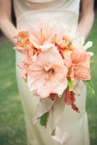 Amaryllis bridal bouquet keywords peachweddings for Bouquet amaryllis