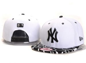 Casquette NY New York Yankees MLB Serpentin Snapback Blanc : Casquette Pas Cher