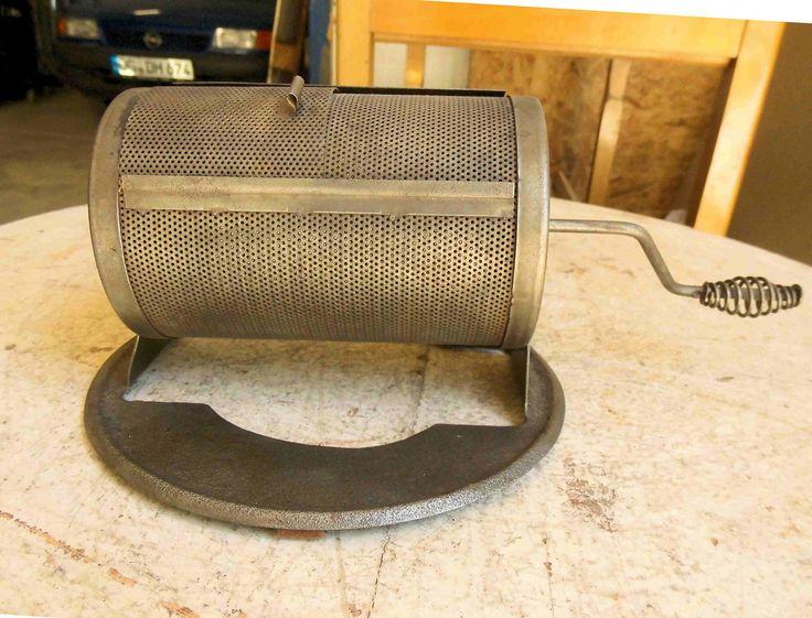 Antiker Kaffeeröster Metall Röster Röstmühle mit Ring für Kohle Holzherd Tragegr…