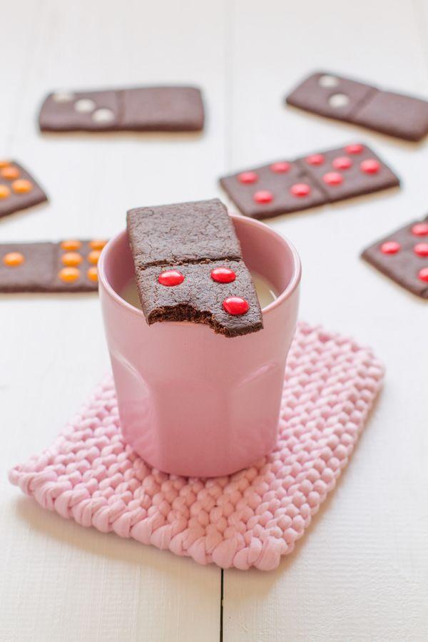 Recetas para niños: Galletas de Chocolate Dominó, una merienda divertida