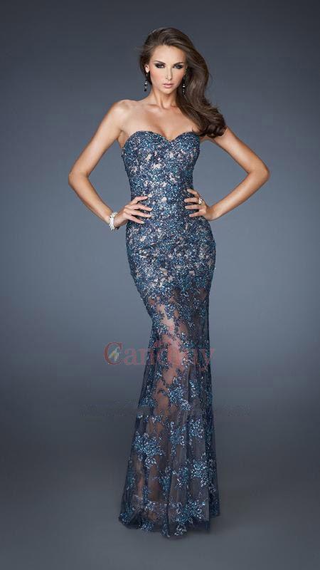 Absolutamente impresionante encaje de cuentas vestido con escote corazón - €244.60