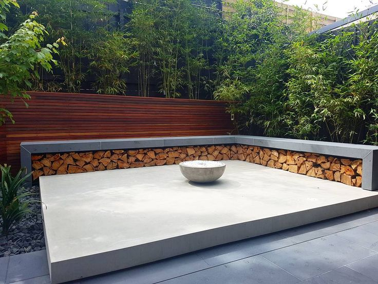 Designing and Building Swimming Pools & Landscapes in and around Melbourne Australia. All photos are designed and/or built by Apex Landscapes