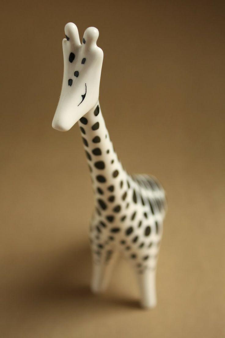 Art deco porcelain: Giraffe - Hollóháza