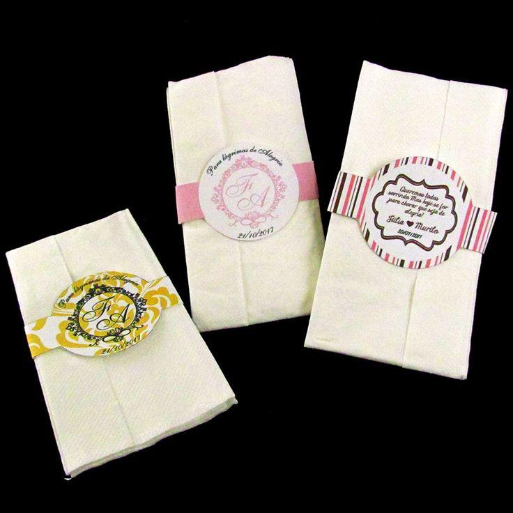 Lágrimas de Alegria (para lenços) personalizáveis para casamentos, festas de debutante, formaturas e outros eventos. Um mimo delicado e carinhoso para os seus convidados. Veja mais detalhes abaixo.