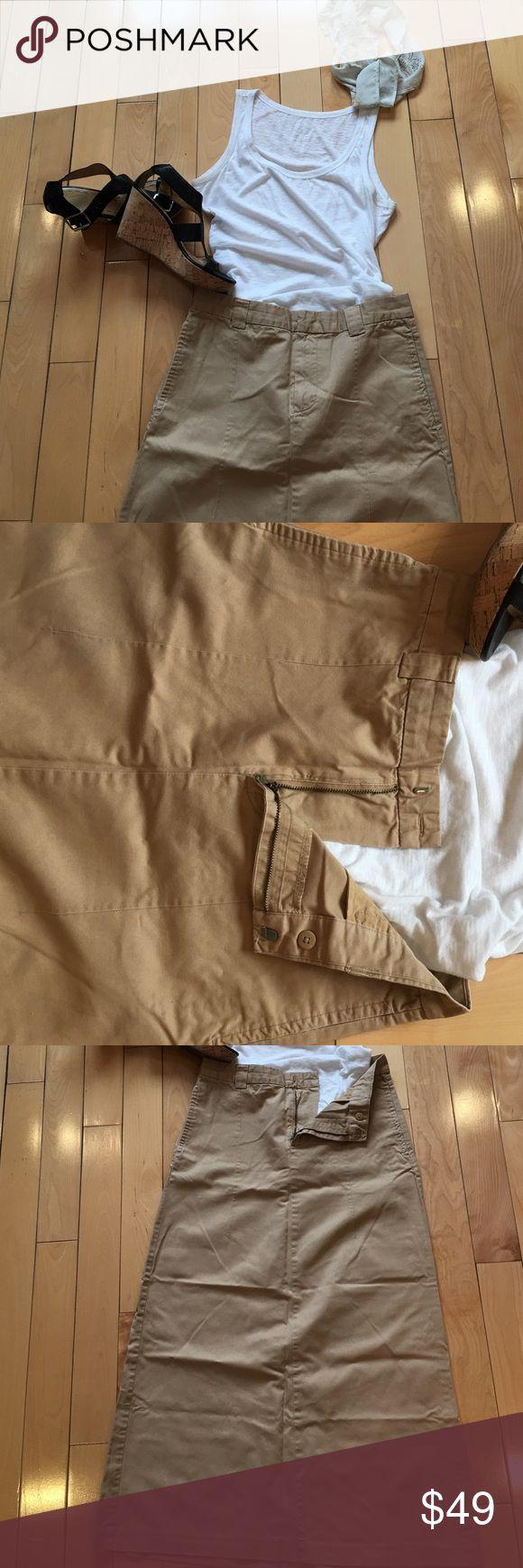 Khaki camel maxi skirt 6 Pretty cotton gap maxi skirt. Versatile color. Dress up or down    Blazer or tank and flip flops. GAP Skirts Maxi