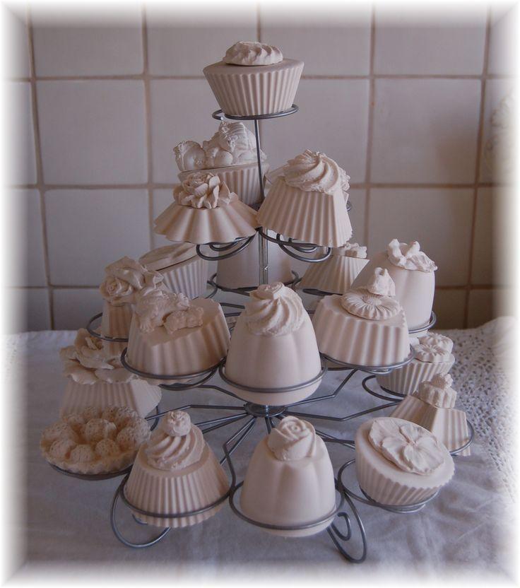 geursteen muffins gemaakt van gips.