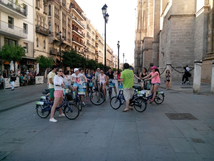 Bike rental and guided tours in Seville.