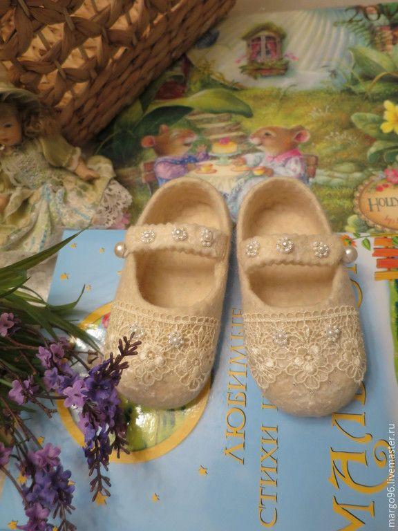 Купить Туфельки для девочки От Феи - белый, валяная обувь, обувь для новорожденных, обувь на заказ