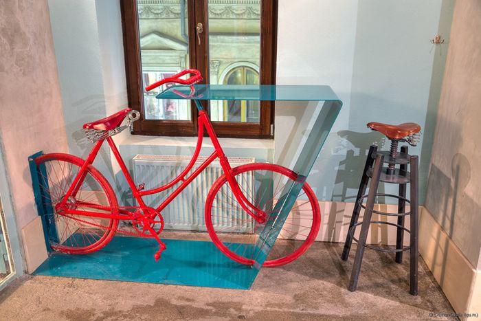 Great imagination in Bicicleta pub in Bucharest, Romania