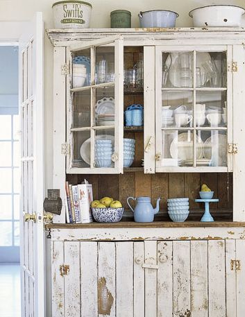 There is just something about shabby chic furniture ...
