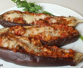 Me voilà en Corse... après les plaisirs de la mer, du soleil, de la fête... le plaisir de la table avec les spécialités locales. J'avais envie de vous faire découvrir ce plat vraiment délicieux, ... une variation autour de l'aubergine. Ingrédients (pour...