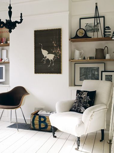 interiorFloating Shelves, Chairs, Black And White, Livingroom, Interiors Design, Living Room, Monochrome Interiors, Black White, White Interiors