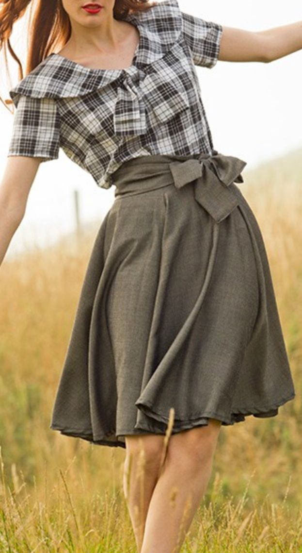 circle or half circle skirt, use 2 fabrics: 1 solid and 1 print, make reversible **love to the collar & tie blouse