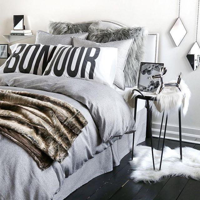 Bedroom Decorating Ideas Student Bedroom Athletics Flip Flop Slippers Bedroom Chandeliers Images Black And White Teenage Bedroom Designs: 8287 Best [Dorm Room] Trends Images On Pinterest