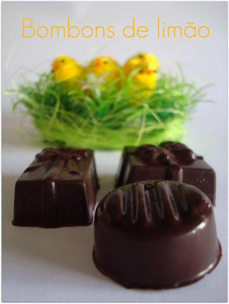 Este año en lugar de os típicos huevos de Pascua de chocolate he hecho bombones. Hace algún tiempo acudí a un Workshop de chocolates y de...