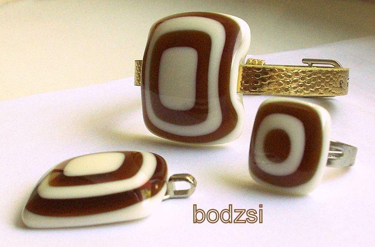Üveg gyűrű, medál és karkötő  http://www.bodzsi.hu/ https://www.facebook.com/bodzsiekszer?ref=hl