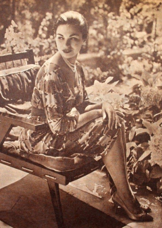OĞUZ TOPOĞLU : prenses esra erenköy'de 1959 hayat dergisi