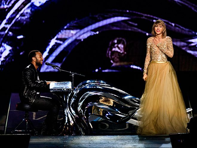Star Tracks: Wednesday, August 26, 2015 | THE MAN, THE 'LEGEND' | Taylor Swift performs alongside John Legend, the latest star to join her on stage, during her 1989 world tour stop at the Staples Center in L.A. on Tuesday.