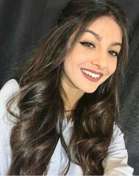 Smile:) and love Elisa Maino ♡