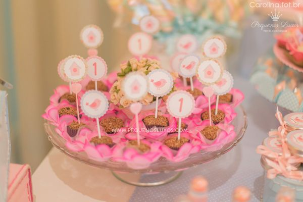 Little Bird Baby Shower Ideas and Shops. Inspirational Photos and Decoration Ideas and Supplies for a Memorable Little Bird baby Shower!..