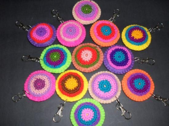 llaveros de paño lenci con aplicación de tejido llaveros ii paño lenci lana de color costura y tejido