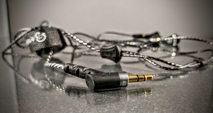 Best earphones.  Lz a3s http://ali.pub/qcnw1 - Buy here. Seller good. It makes discounts! This is a very good and not expensive headphones IEM.  I recommend listening to them fiio x5 II  Hybrid Technology: Driver Units:1 Dynamic + 2 Balanced Armature The quality is excellent. Read reviews of Ali