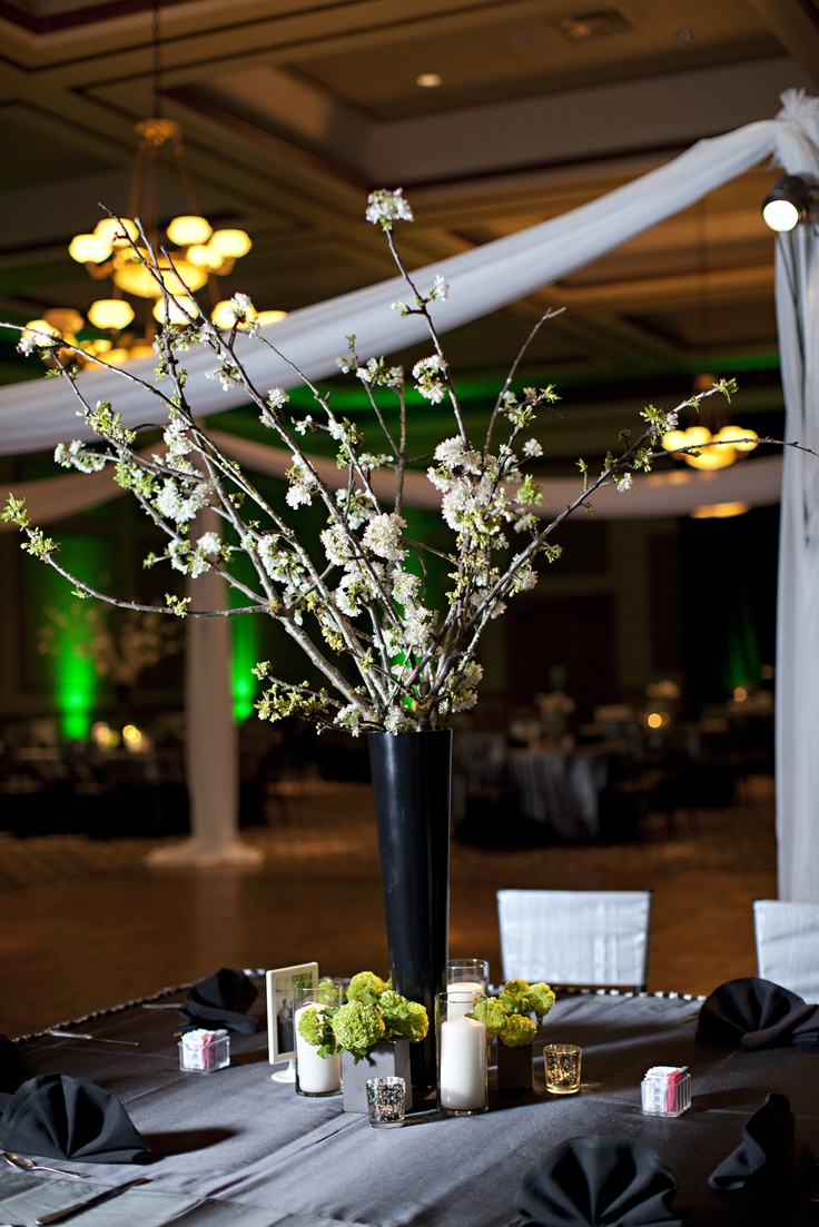 Black white and green wedding - Image courtesy of www.mcgowanimages.com  Floral by Branching Out Events Dallas: Image Courtesy, Dallas Branchingoutevents Com, Rjc Wedding, Black White, Www Mcgowanimages Com Floral, Green Weddings, Albert S Rjc, Ben S Bm