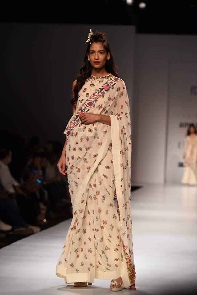 #aifwaw17 #Nikasha #indianfashion #indiandesigners #stunning #comingstraightofftherunway #fivedaysoffashion #perniaspopupshop #comingsoon
