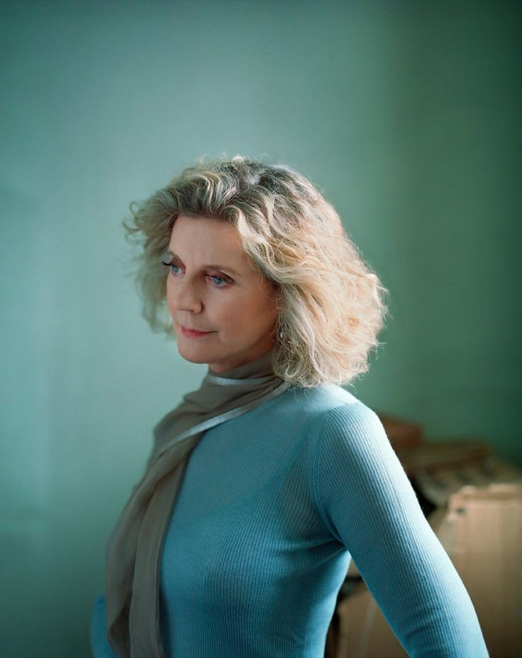 Blythe Danner. Photo by Eric Ogden (via Hello Artists).