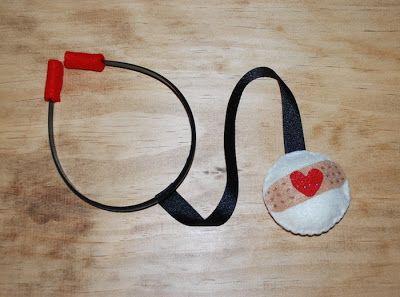 The Moody Fashionista: DIY Felt Stethoscope