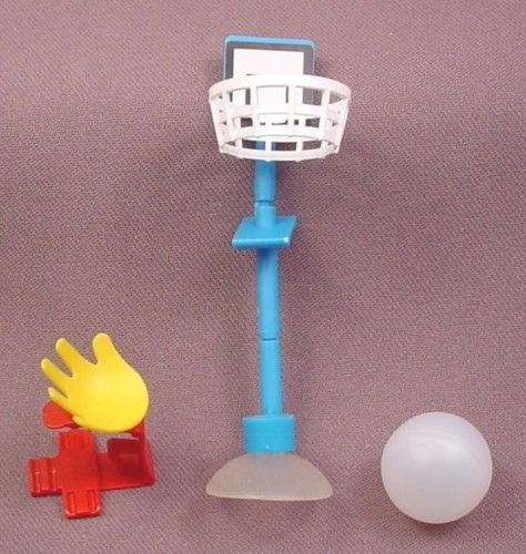 Kinder Surprise 2000 Basketball Hoop Ball & Launcher, K00N70
