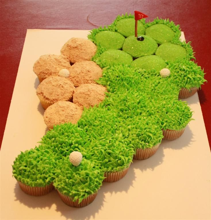 Golf fairway cupcakes. could you make these for me for Cindy's birthday? @Gabrielle Phillips