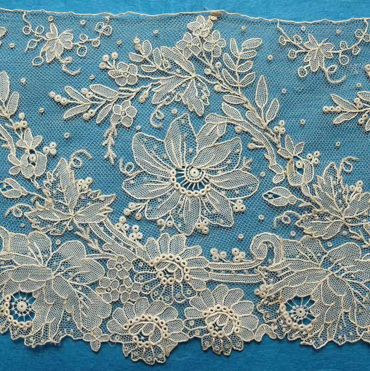 31ins antique/vintage Point de Gaze lace border