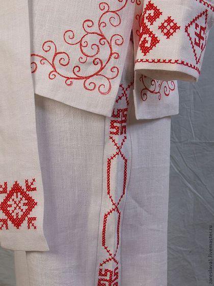 Купить или заказать Свадебный комплект Макошь в интернет-магазине на Ярмарке Мастеров. Свадебный комплект из белого льна с отделкой ручной вышивкой крестиком и росписью по ткани. Женский наряд двухслойный, на косточках в районе корсета, сзади шнуруется атласной лентой. Символы на платье - Макошь, Древо жизни, знаки гармонии, ростки и корни - символизируют женское счастье и благополучие в семье, здоровье и процветание. Мужской комплект состоит из рубахи, брюк и пояса.