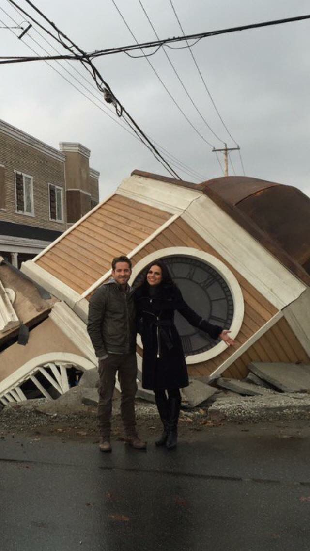 Awesome Lana and Sean (Regina and Robin) #Once #BTS the awesome Once S5 E12…
