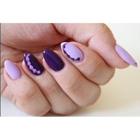 Wieczorową porą mamy dla Was piękną inspirację z wykorzystaniem fioletów z  najnowszej kolekcji #unique  @theoleskaaa wybrała odcień 145 Lila Story oraz 147 Violet in The Dark  nam się bardzo podoba  Przy okazji zapraszamy na instagram Olgi gdzie czeka na Was konkurs w którym możecie wygrać nowe kolory oraz zapachowe oliwki  #semilac #picoftheday #nailstagram #nailsofinstagram #nailswelove #nailswag #manicure #semigirs #blogger