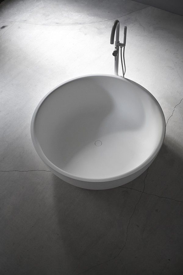 Moon #bathtub by Inbani. #bathroom
