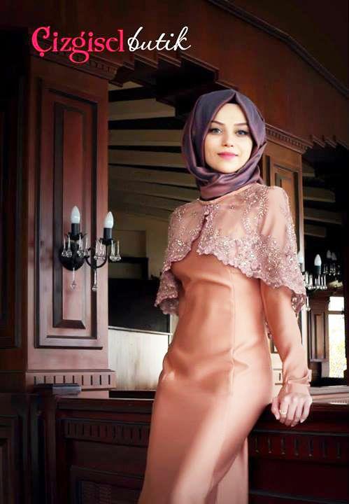 Dantel Pelerinli Abiye Elbise - Ortuluyum.com - Tesettür Giyim Modelleri ve Tesettür Modası Tasarımları