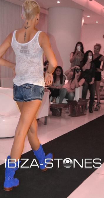 Pasarela de #moda en #Ibiza by Ibiza Stones. http://ibiza-stones.com/