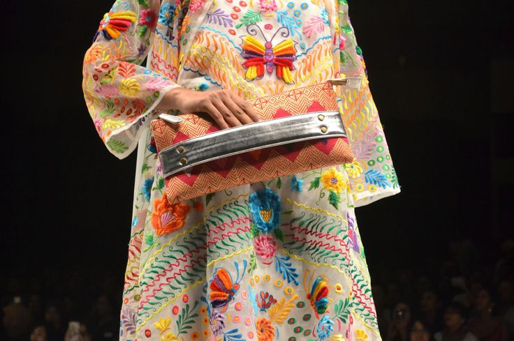 Nita Seno Adji collection on Panutan Ragam Nusantara, presented by Warnatasku