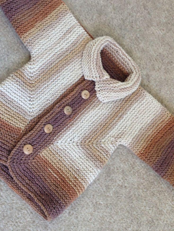 Variation of Elizabeth Zimmermann baby surprise jacket Damián F.