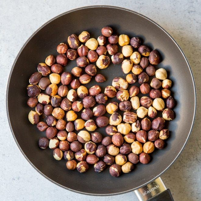 An Easy Recipe For How To Toast Hazelnuts Filberts In The Oven Or On The Stove Enhance The Flavor Of Hazelnuts In 2020 How To Roast Hazelnuts Snack Mix Easy Meals