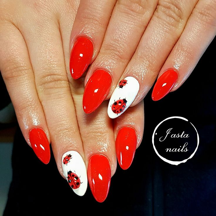 Spring nails, biedroneczki