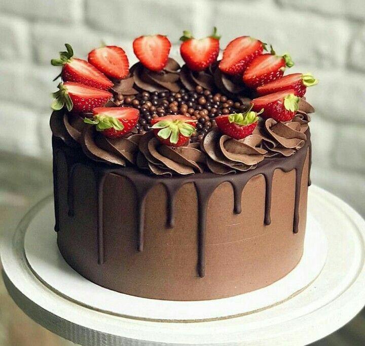 Bolo De Chocolate Drip Cake Com Morangos With Images Homemade