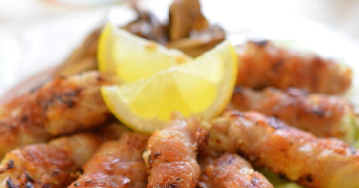 キャベツたっぷり巻いてカリッと焼いた香ばしい豚バラ肉!塩でお肉の旨味を引出し黒胡椒でパンチをつけたビールが進む一品です☆