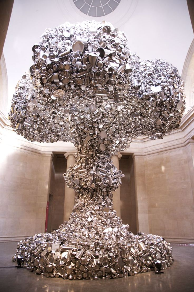 Subodh Gupta, Line of Control, 2008, stainless steel and steel structure, stainless steel utensils, 1000 x 1000 x 1000 cm  © Subodh Gupta