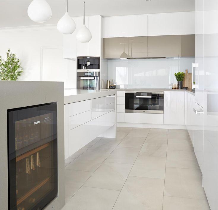 Sanctuary Lakes Home – Kitchen - Smarter Bathrooms+